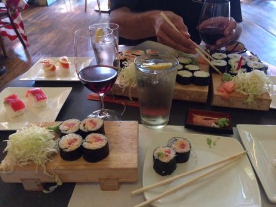 Diane's Restaurant & Bakery: Worst sushi EVER