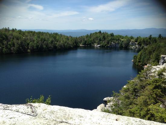 Clove Cottages: Lake Minnewaska (15 mins away)