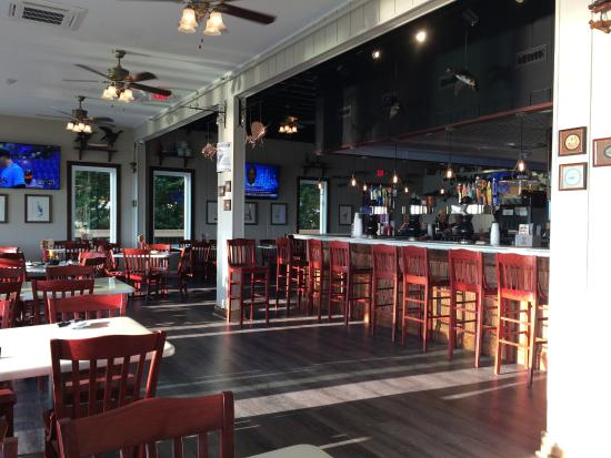 Ropewalk Ocean City: another bar overlooking bay