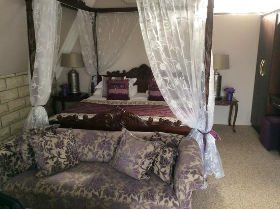 Lavender Hill Country Estate: Honeymoon suite