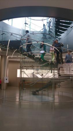 Регион Чунцин, Китай: アップルストア入口からの階段
