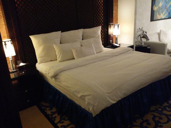 Hani Royal Hotel: Comfy and large bed