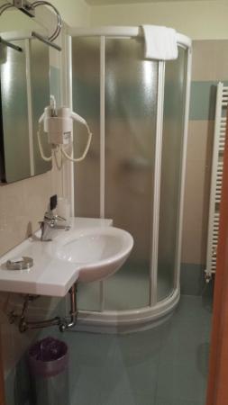 Hotel Selide: Shower