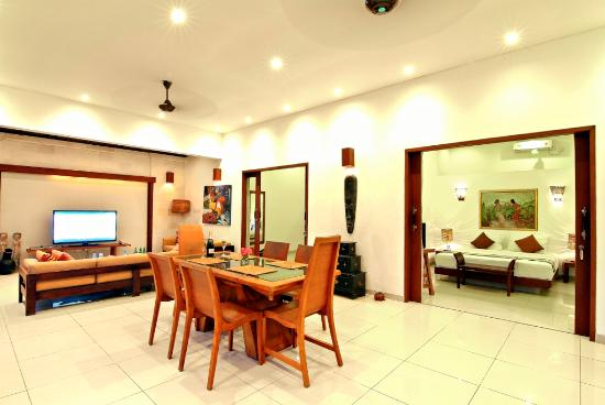 The Beach House Resort: Living Room Villa Melati