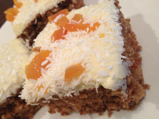 Hedon, UK: Carrot Cake Squares