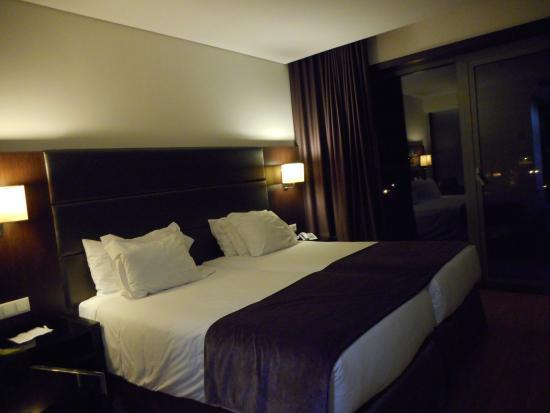 Axis Porto Business & Spa Hotel: 部屋の様子