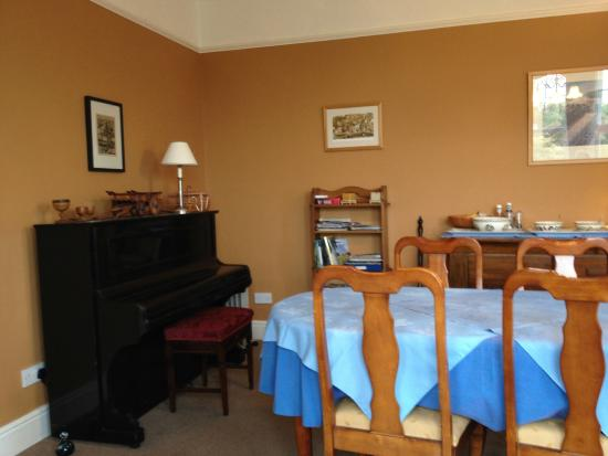 Wenallt Guest House: Dining room (pic 1)