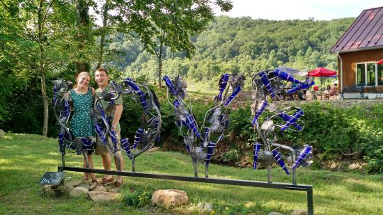 DuCard Vineyards : Photo Op Sculpture