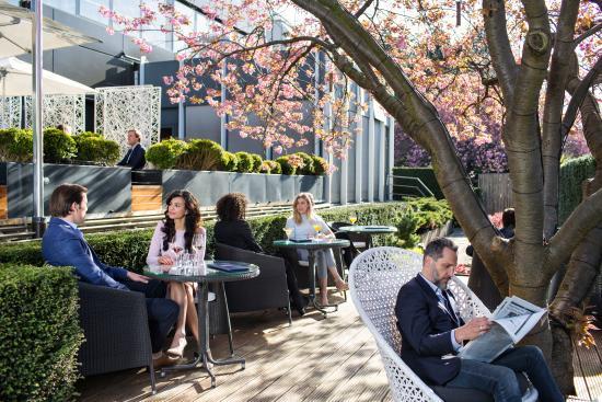 Hotel Okura Amsterdam: Serre Restaurant Terrace