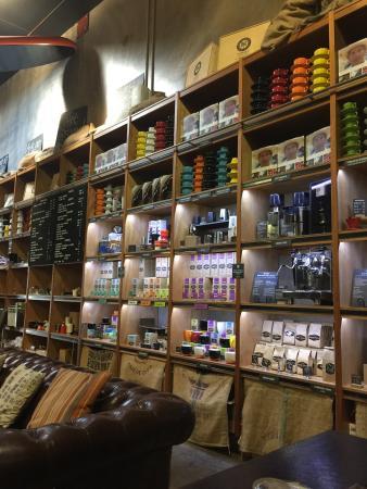 Belmondos Organic Market: cafe