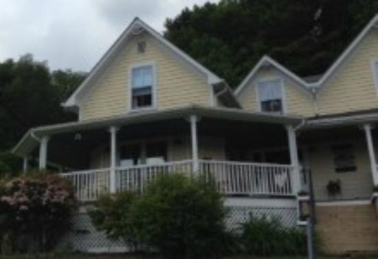 The Perry House Bed & Breakfast : The Perry House B&B