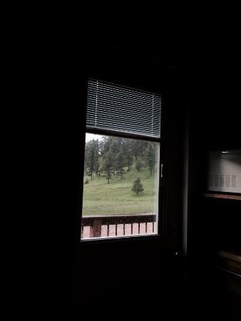 Bearlodge Mountain Resort: L'interno del nostro monolocale, è la vista fuori.