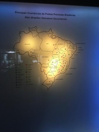 Amsterdam Sauer Museum: Mapa do Brasil com as pedras preciosas por estado
