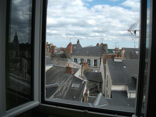 Hotel Du Bellay : Вид из номера