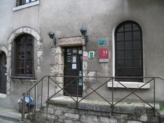 Hotel Du Bellay: Входная дверь