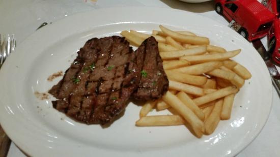 Via Brasil Restaurant: bife com fritas