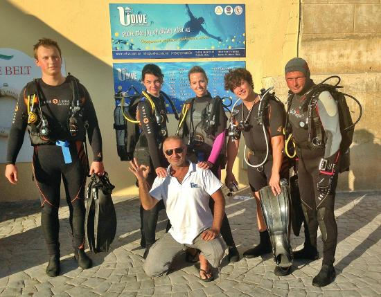 Abyss Diving Club: Diving team