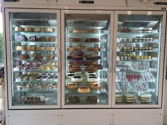 Panna & Cioccolato : Le nuove vetrine di torte, monoporzioni, bicchierini, africanetti...