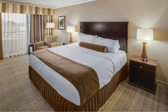 Crowne Plaza Hotel Executive Center Baton Rouge: King Room