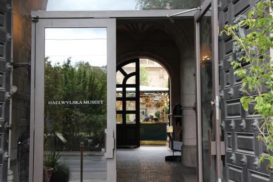 Outside Picture Of Hallwyl Museum Hallwylska Museet