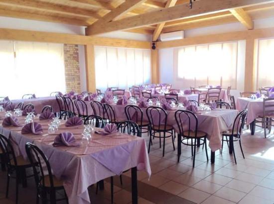San Martino in Pensilis, Italië: Bel locale