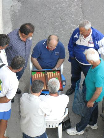Perla Apartments: The locals playing backgammon.