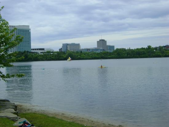 Lac Leamy