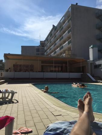 Hotel Pula: Pool. Immer alleine gewesen
