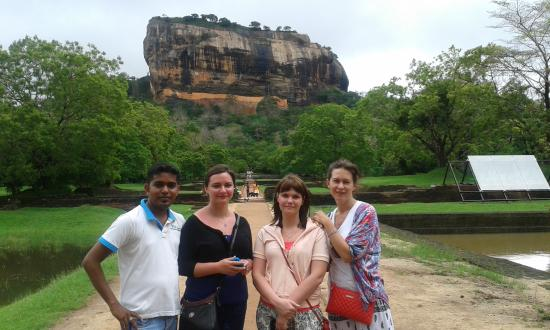VTS Lanka Tours - Day Tours