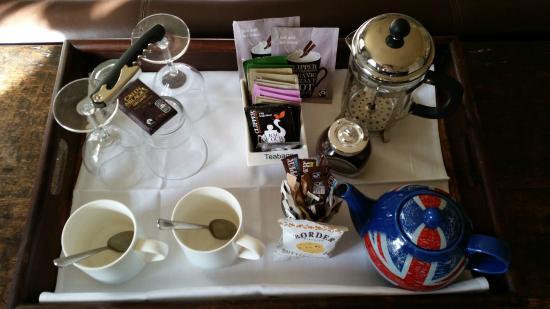 Hayden's: Yummy tea tray in the bedroom