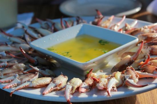 Cafe Phoenix: Pattes de crabe au beurre aillé