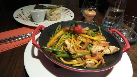 Le Seraphin: Wok de poulet aux légumes croquants