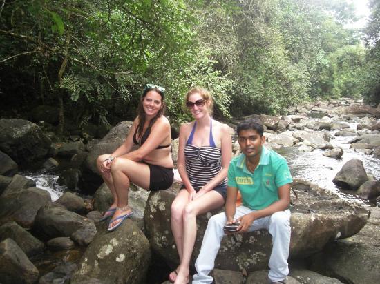 Bentota, Sri Lanka: At Polgampola - waterfalls