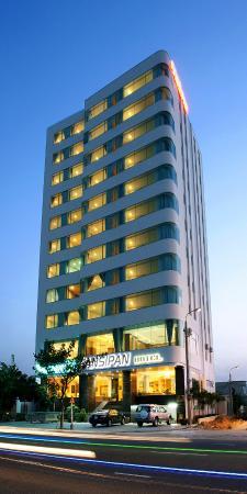 Khách sạn Fansipan Đà Nẵng: Hotel exterior