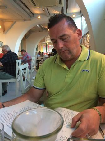 Mikelatos: Best restaurant in Skala.