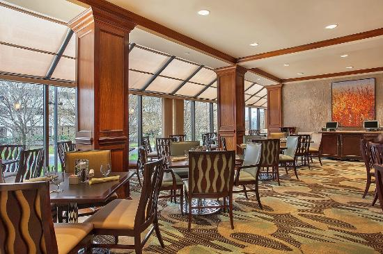 Crowne Plaza Knoxville: Hotel Restaurant