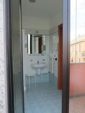 Hotel Traiano: Bath