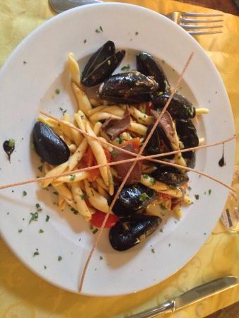 Trattoria Anema e Core: Good looking but tastes average