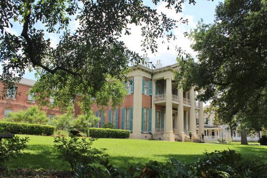Magnolia Hall