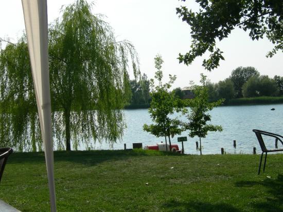 Agriturismo Ai due laghi del Verginese : Il lago dove é consentita la balneazione