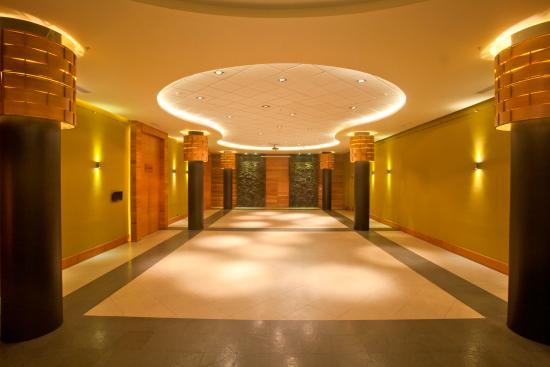Hotel Cumbres Puerto Varas: Foyer Salones Puerto Varas