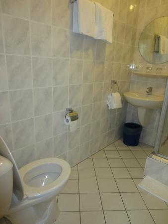 Le Petit Poete : Bathroom