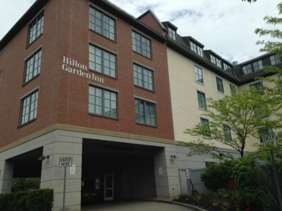 Hilton Garden Inn Portsmouth Downtown : Exterior so so, location and staff is what counts