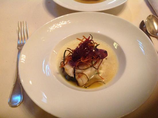 paolo teverini rana pescatrice alla griglia con asparagi di mare ed emulsione limone e zafferano