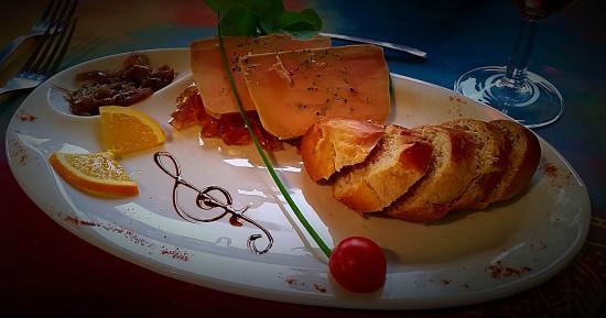 Les Vieilles Pierres: Foie gras maison