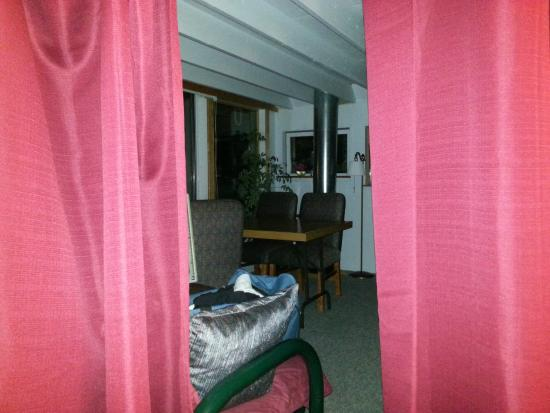 Castalia Marsh Retreat: Peeking out from 2nd Floor 2nd Bedroom