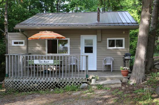 Bayshore Cottages: Cottage # 3 Exterior