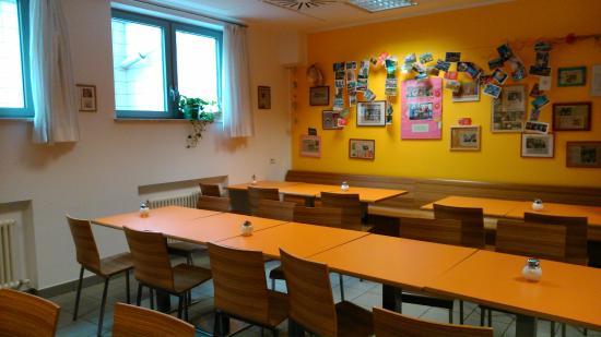 Youth Hostel Bolzano : Essraum