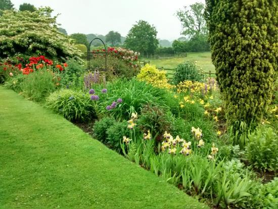 Lawley House gardens