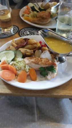 The Ellerby Country Inn Restaurant: Pan Fried Chicken Breast, Mango Sauce
